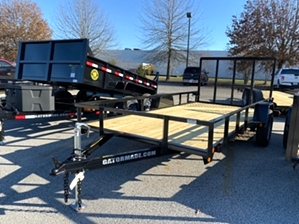 Utility Trailer 6x14 Single Axle  Utility Trailer 6x14 Single Axle. With diamond tread fenders and reflective lights.